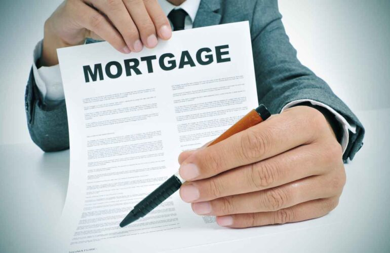 Need a Mortgage? 9 Criteria Your Credit Score Should Meet